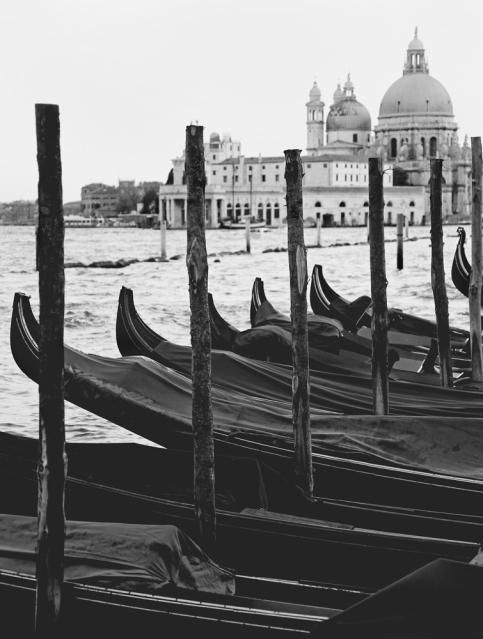 gondolas-black-and-white-carla-pivonski