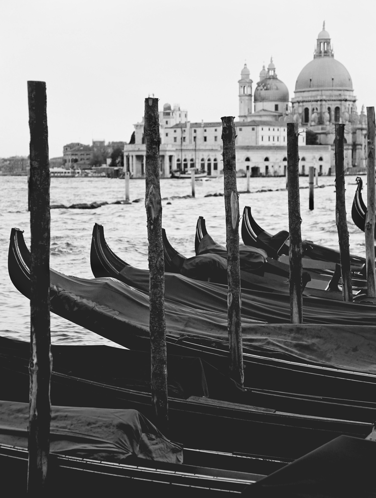 gondolas-black-and-white-carla-pivonski